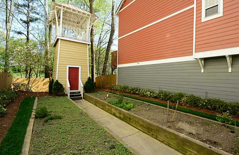 Great Gated Grant Park Townhomes Of Atlanta Villages At